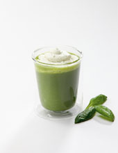 Green-Smoothie-with-Basil-Foam